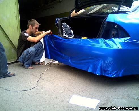 Оклейка автомобиля пленкой своими руками фото